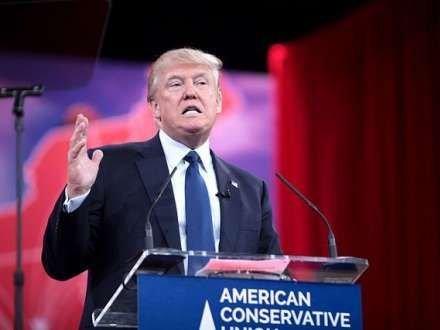 Donald Tramp qərarını açıqladı - Gedir...