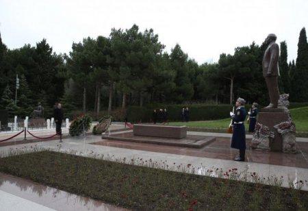 Bosniya və Herseqovinanın xarici işlər naziri - Şəhidlər xiyabanını ziyarət etdi